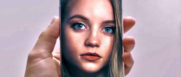 Photo d'une fille dans un smartphone